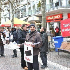 Immer wieder Samstags kommt die Erinnerung: Protest in der Fressgass Frankfurt.
