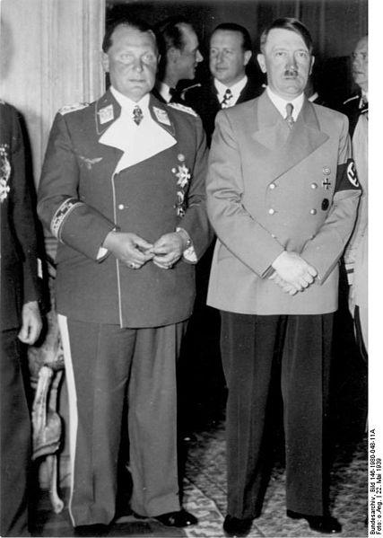 427px-Bundesarchiv_Bild_146-1980-048-11A,_Berlin,_Hermann_Göring_und_Adolf_Hitler
