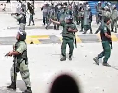Kambodscha, 12.11.2013: Polizei schießt auf demonstrierende Arbeiter