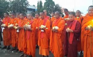 kambodscha-buddhistische-moenche