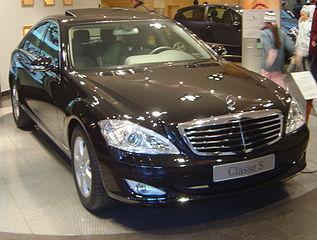317px-Mercedes_Benz_Classe_S_dsc06455