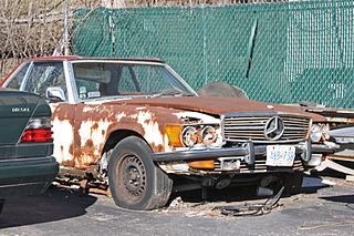 320px-Damaged_Mercedes