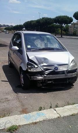Crashed_Mercedes-Benz_vehicles-cut