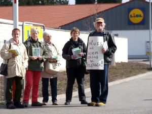 Oberhausen: Arbeitskreis gegen Unternehmerwillkür (AKUWILL) vor Lidl.