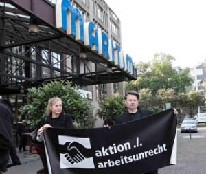 aktion ./. arbeitsunrecht e.V. am 19.08.2015 vor dem Kölner Maritim (Foto: mediabase, H.D. Hey)