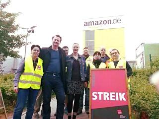 Streik bei Amazon am 25. Mai 2016 mit Besuch von Vertretern der aktion ./. arbeitsunrecht e.V.