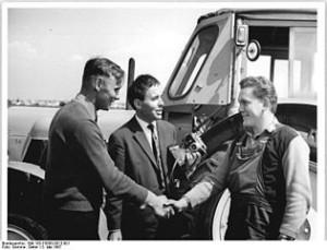 Klaus-Zimmermann_Gebesee,_Leistungspflügen,_Sieger_im_Gespräch