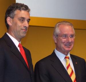 Mit dem Steuerhinterzieher Klaus Zumwinkel (rechts) begann 1990 die Herrschaft von McKinsey über die Deutsche Post / DHL. Frank Appel (links) setzt sie fort.