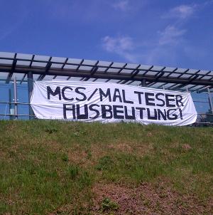 1605013_freitag13_protest-malteser-mcs-duisburg_8-meter-transpa