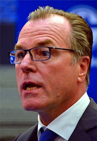 Ob das GSA-Fleisch Clemens Tönnies (Schalke 04) irgendwann zum Verhängnis wird?