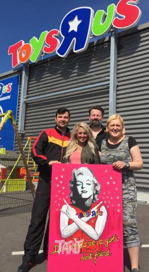 Toys R Us: Solidarität mit Mona! Protest in Würselen am 3. Advent