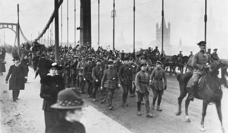 November 1918 Köln. Truppen kehren heim.