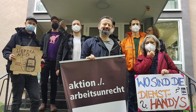 LIeferando-Prozess. Beobachter vor Arbeitsgericht Köln am 29-09-21