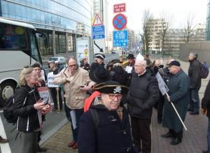 02 Raus aus dem Bus, rein in die EU-Kommission?