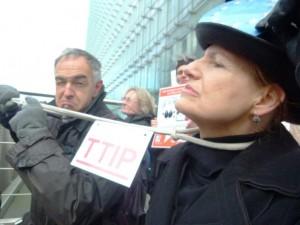 Kölner Aktivisten in Fahrt gegen das TTIP