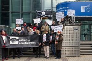 aktion./.arbeitsunrecht Protest vor Berlaymont 3