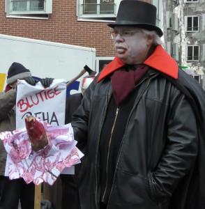 Düsseldorf Rainer Hastrich mit dem Blutigen Pfahl
