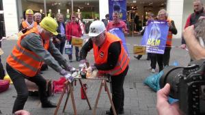 Köln Vollzeitstelle wird Zer-Flext (Foto Frans Valenta)