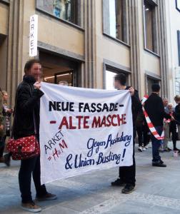 München Linke Gewerkschafter*innen stören gemeinsam mit H&M- und Zara-Beschäftigten die  Eröffnung des Arket-Flagship-Stores