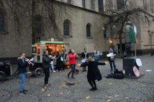 #Freitag13 #Starbucks Udo Slawiczek | r-mediabase Alliierte Marschkapelle Köln