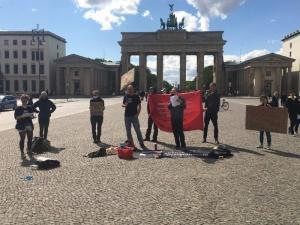 Aktion gegen Arbeitsunrecht Berlin, Brandenburger Tor#1Mai2020