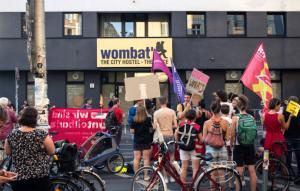 #Wombats Demo gegen Unternehmerwillkür, Union Busting und Auslagerung (Bild Yakamo)
