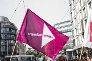 organize strike - 190517_Wombats_Protest_Berlin